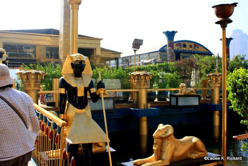 الباخرة الفرعونية - المركب الفرعوني